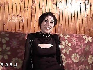 Petite francaise grave sodomisee pour son casting amateur