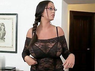 Housewife ass squirt