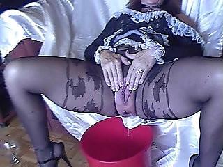 Pantyhose Pissing