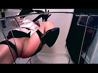 Diva uses erotic hypnosis and hosiery to seduce