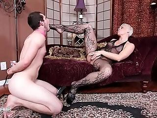 Domina Helena Stocking slut Domina Helena Pleasure Slave