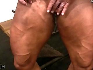 Female Bodybuilder Lisa Cross Plays with Fucking Big Clit