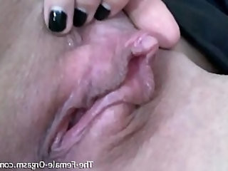 Horny Gym Babe Rubs Her Big Clit and Pussy Lips to a Pulsating Orgasm