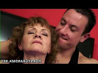 Old lady gets cum dumped